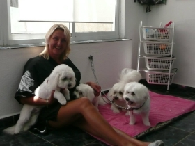 Anna-Smith-final-day-on-10-day-Groomers-Course-with-a-little-handful